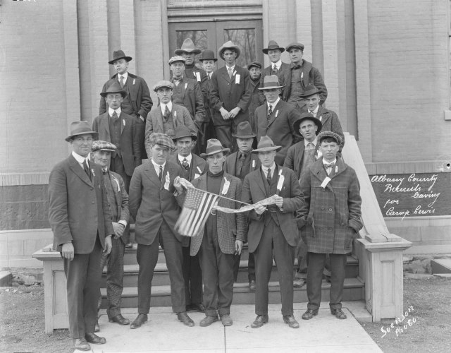 Albany county recruits posing in front of courthouse before leaving for Camp Lewis, World War I, 1918. Ludwig-Svenson Studio collection, #167, neg. #4006.2. University of Wyoming, American Heritage Center.