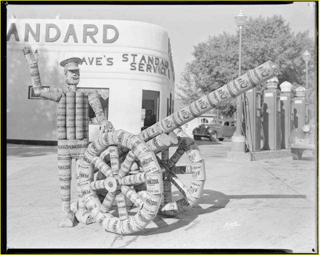 Dave's Standard Gas Station, Rawlins, WY, ca. 1914. Frank Meyers Collection, American Heritage Center, University of Wyoming.