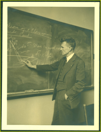 M. King Hubbert teaching, ca. 1935